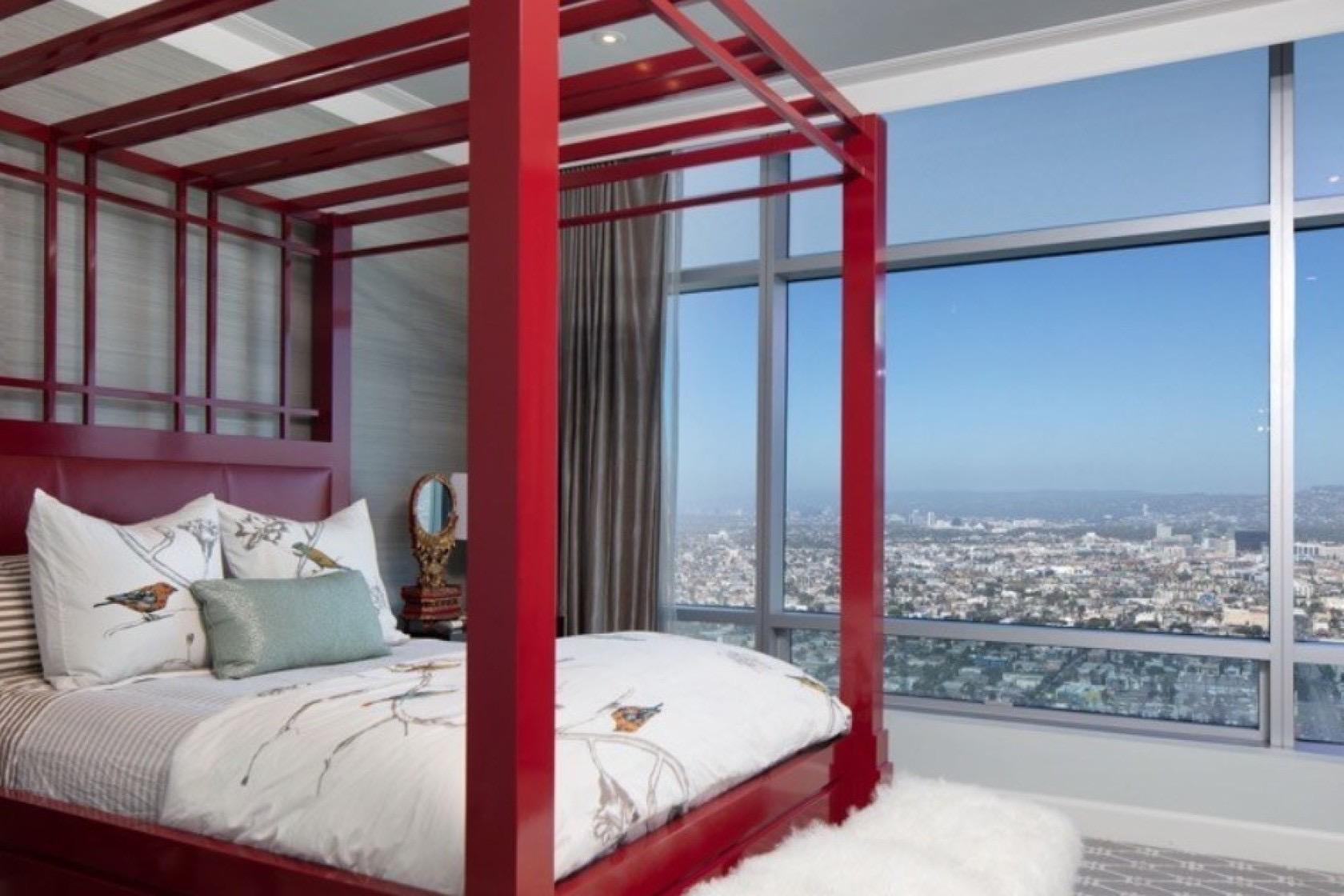 Kawhi Penthouse 10