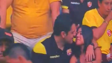 Barcelona Fan Kiss